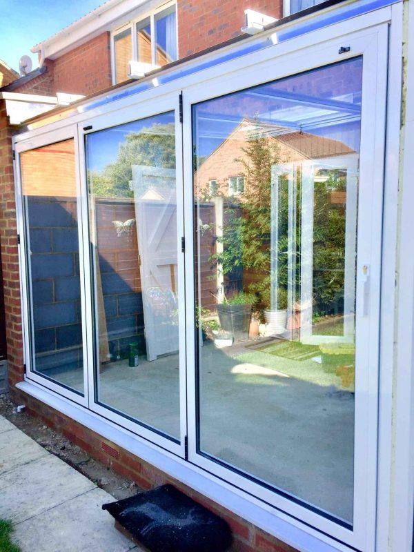 3 panels Bifold Doors